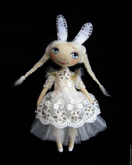 Коллекционные куклы ручной работы. Ярмарка Мастеров - ручная работа. Купить Зайка. Handmade. Белый, зайка, зайчонок, зайка девочка