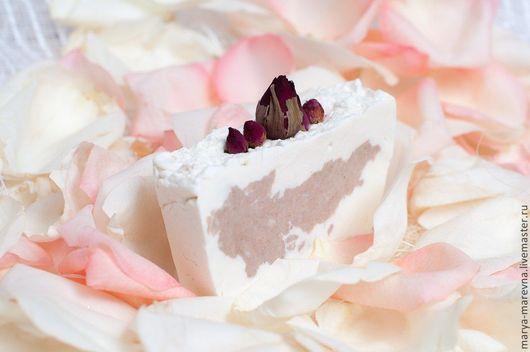 """Мыло ручной работы. Ярмарка Мастеров - ручная работа. Купить """"Розовый сад"""" взбитое натуральное мыло с нуля. Handmade. Белый"""