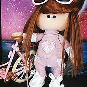 Куклы Тильда ручной работы. Ярмарка Мастеров - ручная работа Интерьерная кукла велосипедистка Лина. Handmade.