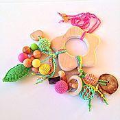 Куклы и игрушки ручной работы. Ярмарка Мастеров - ручная работа Игрушка для малыша грызунок-погремушка Весенний цветок. Handmade.
