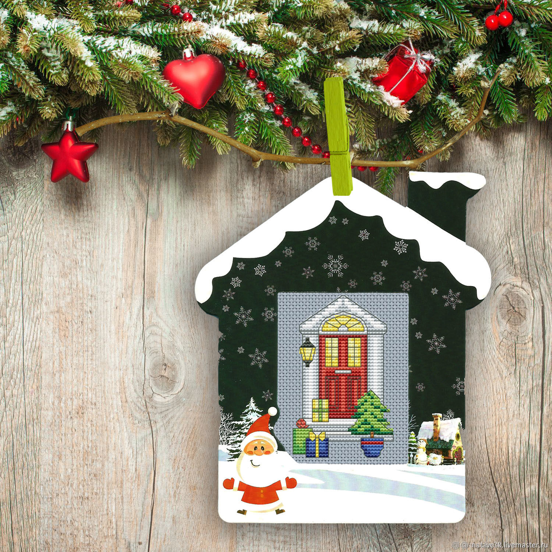 Christmas Tree And Presents Doorway