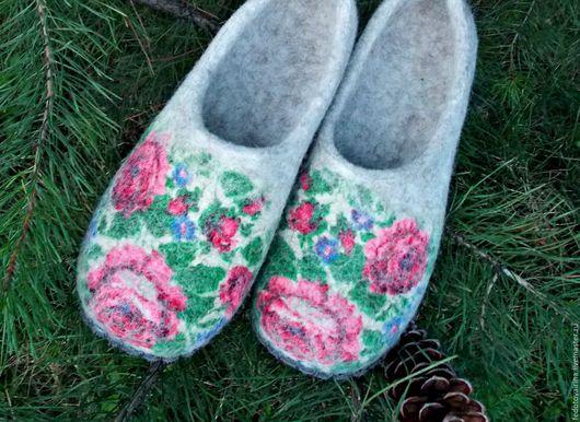 """Обувь ручной работы. Ярмарка Мастеров - ручная работа. Купить Тапочки валяные """"Летний сад"""".. Handmade. Тапки, валяные тапки"""