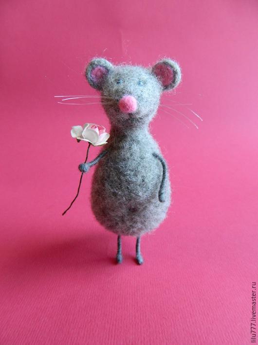 Игрушки животные, ручной работы. Ярмарка Мастеров - ручная работа. Купить Мышь валяная. Handmade. Серый, мышки, шерсть