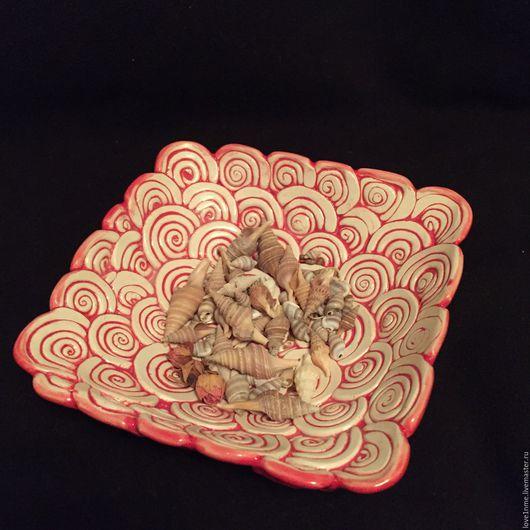 Тарелки ручной работы. Ярмарка Мастеров - ручная работа. Купить Красные завитки керамическая тарелочка. Handmade. Тарелочка, декоративная тарелка