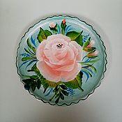 Тарелки ручной работы. Ярмарка Мастеров - ручная работа Роза на голубом перламутре. Handmade.