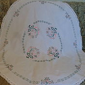Скатерть круглая  с вышивкой крестиком