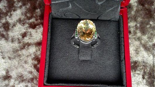 """Кольца ручной работы. Ярмарка Мастеров - ручная работа. Купить """"Орабель"""" - очаровательное кольцо с крупным бразильским цитрином. Handmade. Желтый"""