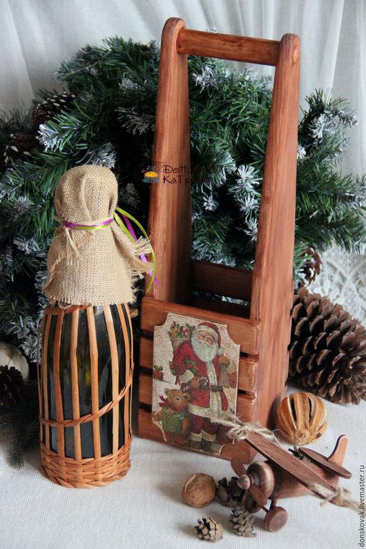 """Новый год 2017 ручной работы. Ярмарка Мастеров - ручная работа. Купить Бутылочница реечная на одну бутылку """"Дедушка Мороз"""". Handmade."""