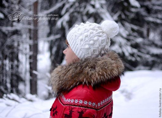 """Шапки ручной работы. Ярмарка Мастеров - ручная работа. Купить Вязаная шапочка """"Зимний  лес"""". Handmade. Белый, Шапочка с помпоном"""