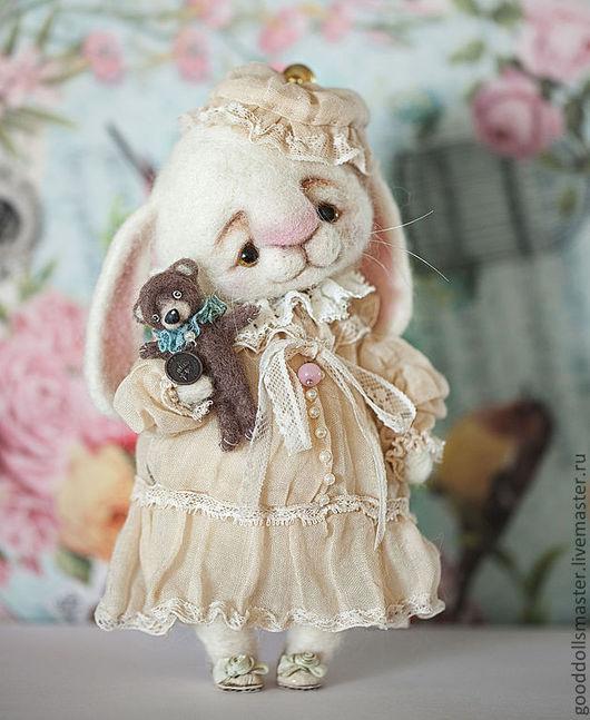 Игрушки животные, ручной работы. Ярмарка Мастеров - ручная работа. Купить Зайчонок и его любимый мишка:). Handmade. Белый, валяный