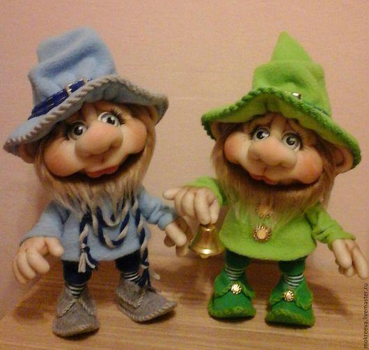 Коллекционные куклы ручной работы. Ярмарка Мастеров - ручная работа. Купить Гном с колокольчиком. Handmade. Зеленый, кукла интерьерная, пуговицы