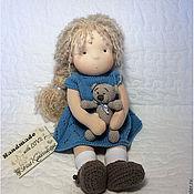 Куклы и игрушки ручной работы. Ярмарка Мастеров - ручная работа Текстильная кукла Аля с медведем. Handmade.