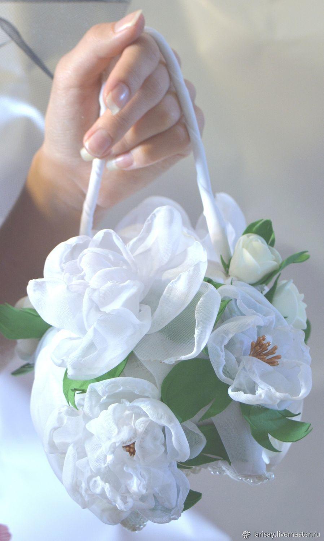 Order White wedding handbag for brides bulk flowers.
