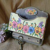 """Для дома и интерьера ручной работы. Ярмарка Мастеров - ручная работа """"Вальс цветов"""" Ключница. Handmade."""