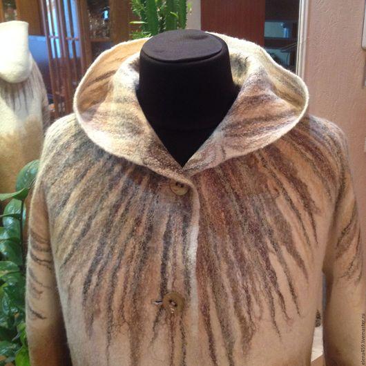 """Верхняя одежда ручной работы. Ярмарка Мастеров - ручная работа. Купить Валяное пальто """"Капучино"""". Handmade. Комбинированный, бежево-коричневый"""