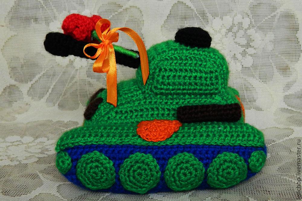 Вязаный танк. Пичугина