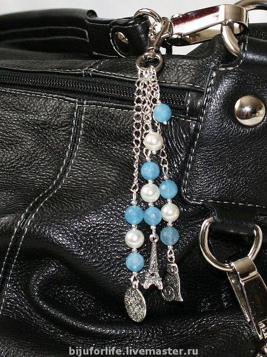 """Украшения для сумок ручной работы. Ярмарка Мастеров - ручная работа. Купить """"Путешественнице"""" Подвеска на сумку или джинсы. Handmade. Подвеска"""