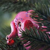 Подарки к праздникам ручной работы. Ярмарка Мастеров - ручная работа Ёлочные игрушки, Три Поросёнка (фигурка, поросенок). Handmade.