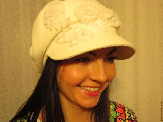 Кепки ручной работы. Ярмарка Мастеров - ручная работа. Купить Женская кепка из белого драпа. Handmade. Белый, Декор, девушке