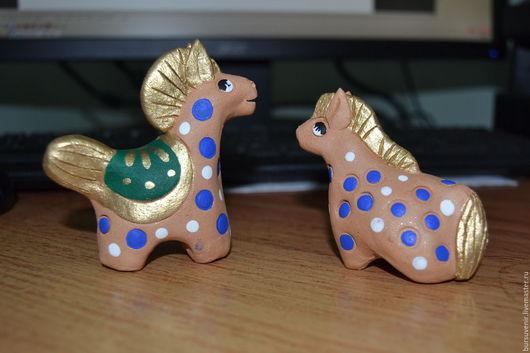 Игрушки животные, ручной работы. Ярмарка Мастеров - ручная работа. Купить лошадка в яблоках керамическая. Handmade. Разноцветный, блеск