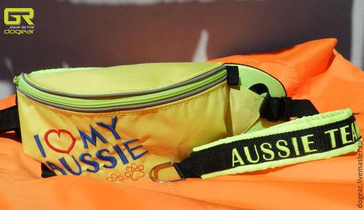 Сумка поясная желтая Вышивка: `I love my aussie` `Я люблю мою австралийскую овчарку`
