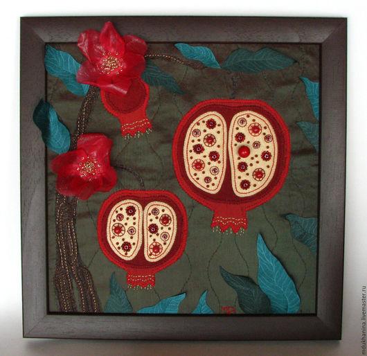 Картины цветов ручной работы. Ярмарка Мастеров - ручная работа. Купить Картина из ткани Гранаты. Handmade. Тёмно-зелёный, ткань
