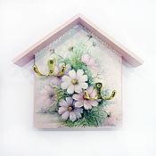 Ключницы ручной работы. Ярмарка Мастеров - ручная работа Ключница Цветы. Handmade.