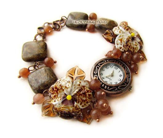 """Часы ручной работы. Ярмарка Мастеров - ручная работа. Купить """"Корица"""" наручные часы с бусинами лэмпворк. Handmade. Часы, коричневый"""