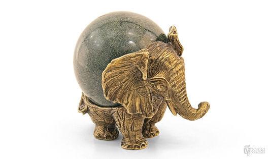 Статуэтки ручной работы. Ярмарка Мастеров - ручная работа. Купить Статуэтка «Слон №3» с шаром. Handmade. Слон, слоники