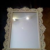 Зеркала ручной работы. Ярмарка Мастеров - ручная работа Зеркало прямоугольной формы. Красивая, резная рама окрашена в золото.. Handmade.