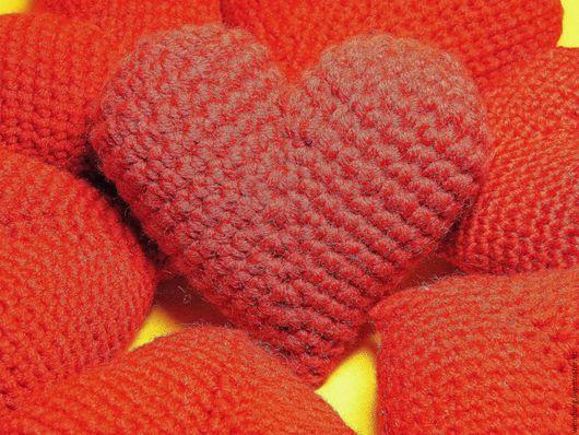 Подарки для влюбленных ручной работы. Ярмарка Мастеров - ручная работа. Купить Сердечки-Валентинки крючком, объёмные сердца, амигуруми. Handmade.