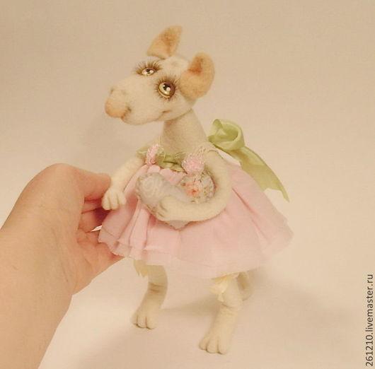 Игрушки животные, ручной работы. Ярмарка Мастеров - ручная работа. Купить Мышка мисс Лиззи , коллекционная войлочная игрушка в подарок.. Handmade.
