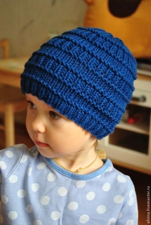 Вяжем шапочки для мальчиков на спицах фото