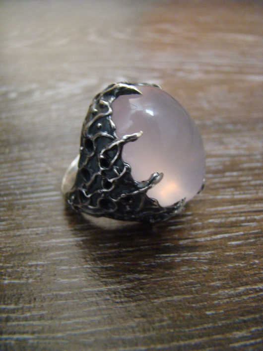 Кольца ручной работы. Ярмарка Мастеров - ручная работа. Купить Перстень с розовым кварцем. Handmade. Серебряный, крупное кольцо
