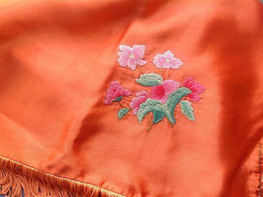 Текстиль, ковры ручной работы. Ярмарка Мастеров - ручная работа. Купить Наволочка шелковая с ручной вышивкой. Handmade. Оранжевый