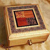 Для дома и интерьера ручной работы. Ярмарка Мастеров - ручная работа Шкатулка с настоящей мозаикой из кедра и липы, волнистый ясень. Handmade.