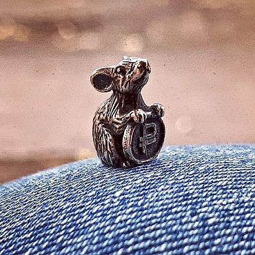 Сувениры и подарки ручной работы. Ярмарка Мастеров - ручная работа Мышка кошельковая с монеткой. Handmade.