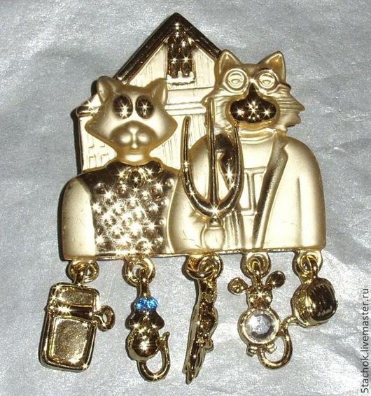"""Винтажные украшения. Ярмарка Мастеров - ручная работа. Купить Брошь """"Кот и кошка"""" под золото (A.J.C. США). Handmade."""