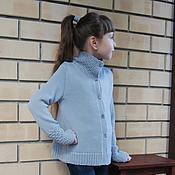 Работы для детей, ручной работы. Ярмарка Мастеров - ручная работа Кардиган вязаный для девочки светло-серый. Handmade.