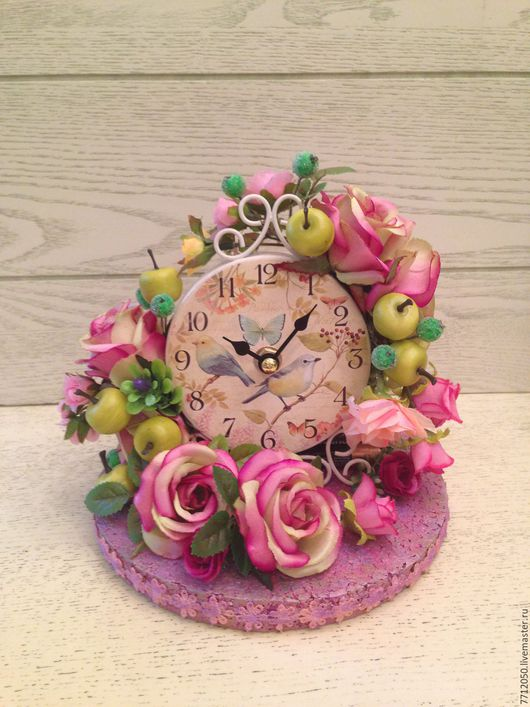 часы настольные с нежными розами и яблоками подарок для дома и интерьера украшение квартиры для детской комнаты для спальни необычные часы красивый подарок друзьям