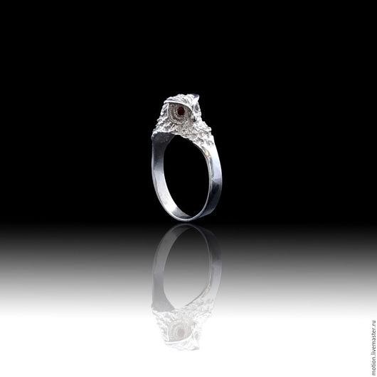 """Кольца ручной работы. Ярмарка Мастеров - ручная работа. Купить Кольцо """"Сова"""", сделанный из серебра 925 пробы с красными камнями. Handmade."""