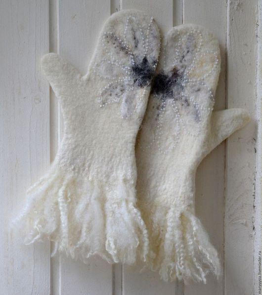 """Варежки, митенки, перчатки ручной работы. Ярмарка Мастеров - ручная работа. Купить варежки из шерсти """"ромашка"""". Handmade. Варежки"""