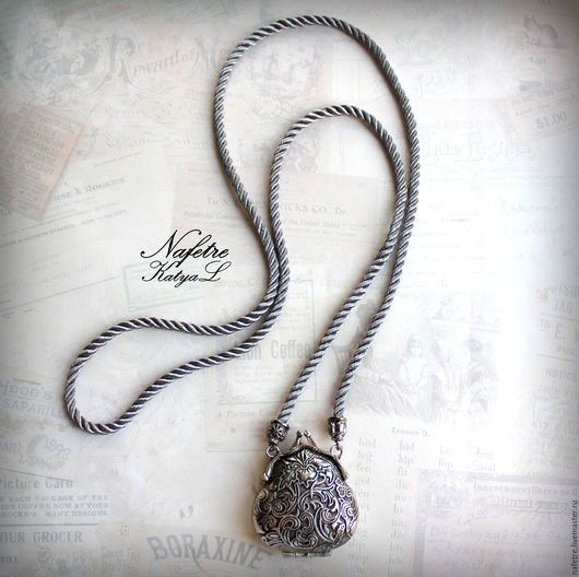"""Кулоны, подвески ручной работы. Ярмарка Мастеров - ручная работа. Купить Сотуар с подвеской """"Ридикюль"""",кулон на длинном шнуре серый,серебряный. Handmade."""