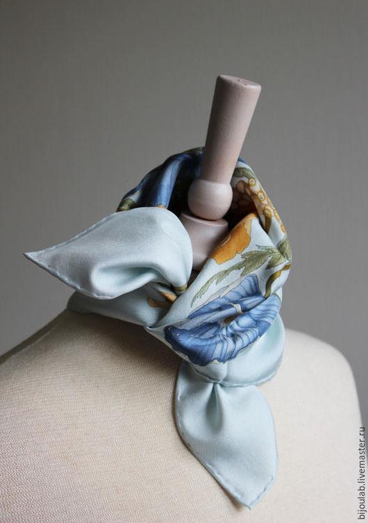 Шарфы и шарфики ручной работы. Ярмарка Мастеров - ручная работа. Купить Шейный шелковый платок Феррагамо. Продан. Handmade. Голубой