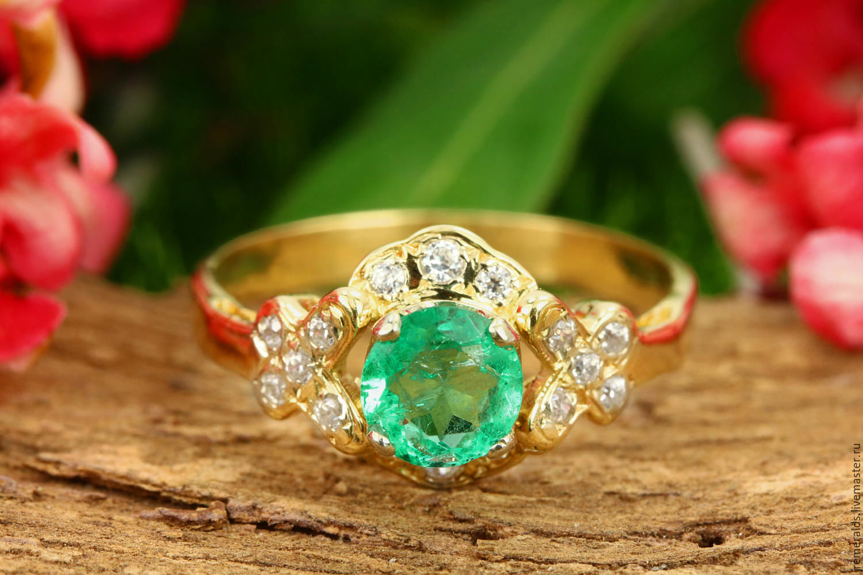 Estate Emerald and Diamond Ladies Ring 18K White gold Size 7 ...