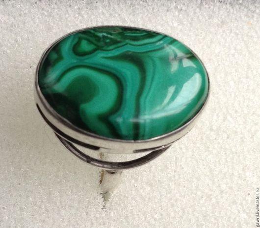 Кольца ручной работы. Ярмарка Мастеров - ручная работа. Купить Кольцо с малахитом. Handmade. Ярко-зелёный, Украшение ручной работы