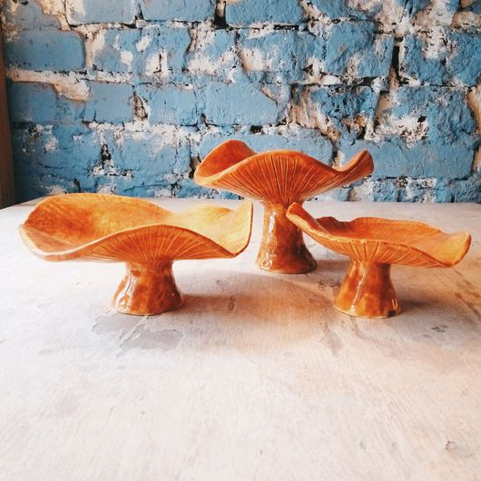Статуэтки ручной работы. Ярмарка Мастеров - ручная работа. Купить керамические грибы-лисички. Handmade. Глина, стекло, желтый, гостиная