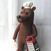 Куклы и игрушки ручной работы. Ярмарка Мастеров - ручная работа Медведь пекарь, валяный мишка, авторская игрушка. Handmade.