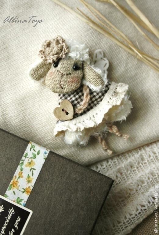 Клетка текстильная брошь овечка