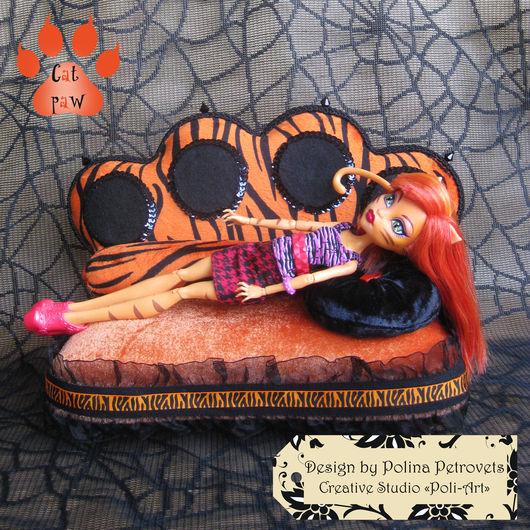 """Кукольный дом ручной работы. Ярмарка Мастеров - ручная работа. Купить Диванчик для куколки Монстер Хай Торреляй """"Cat paw"""". Handmade."""